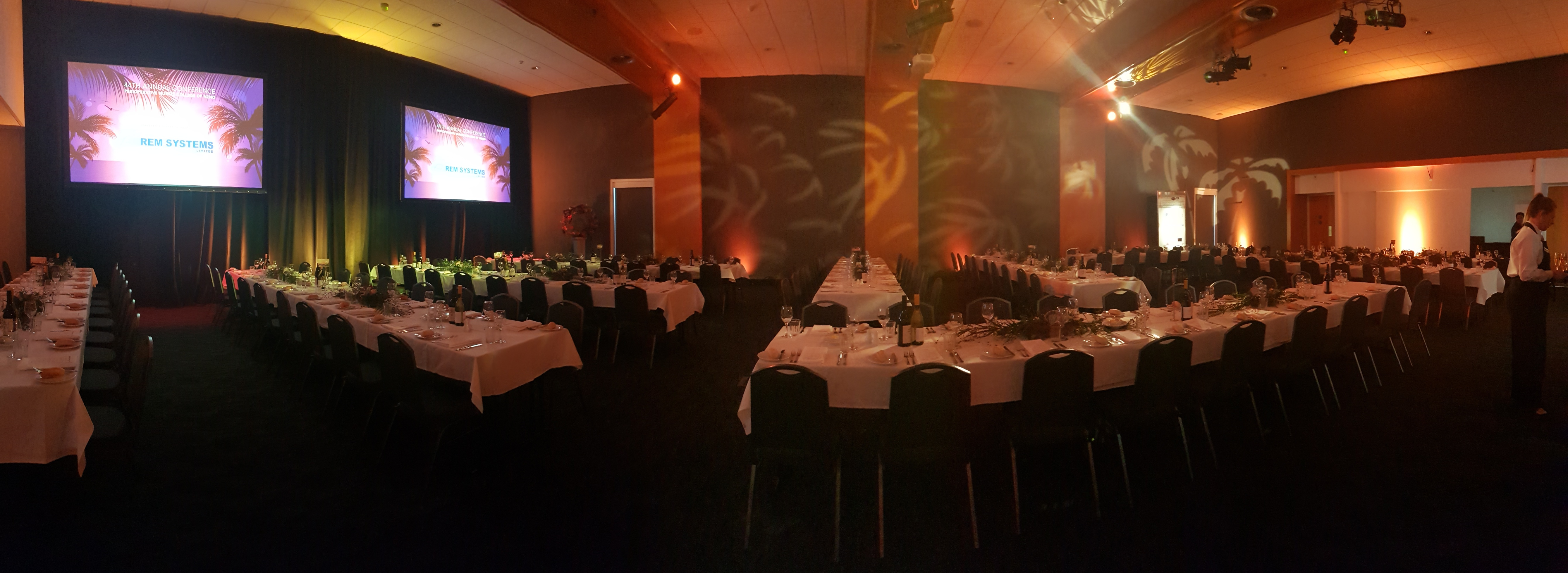 Our large exhibition hall is a versatile space for presentations, trade and also gala dinners